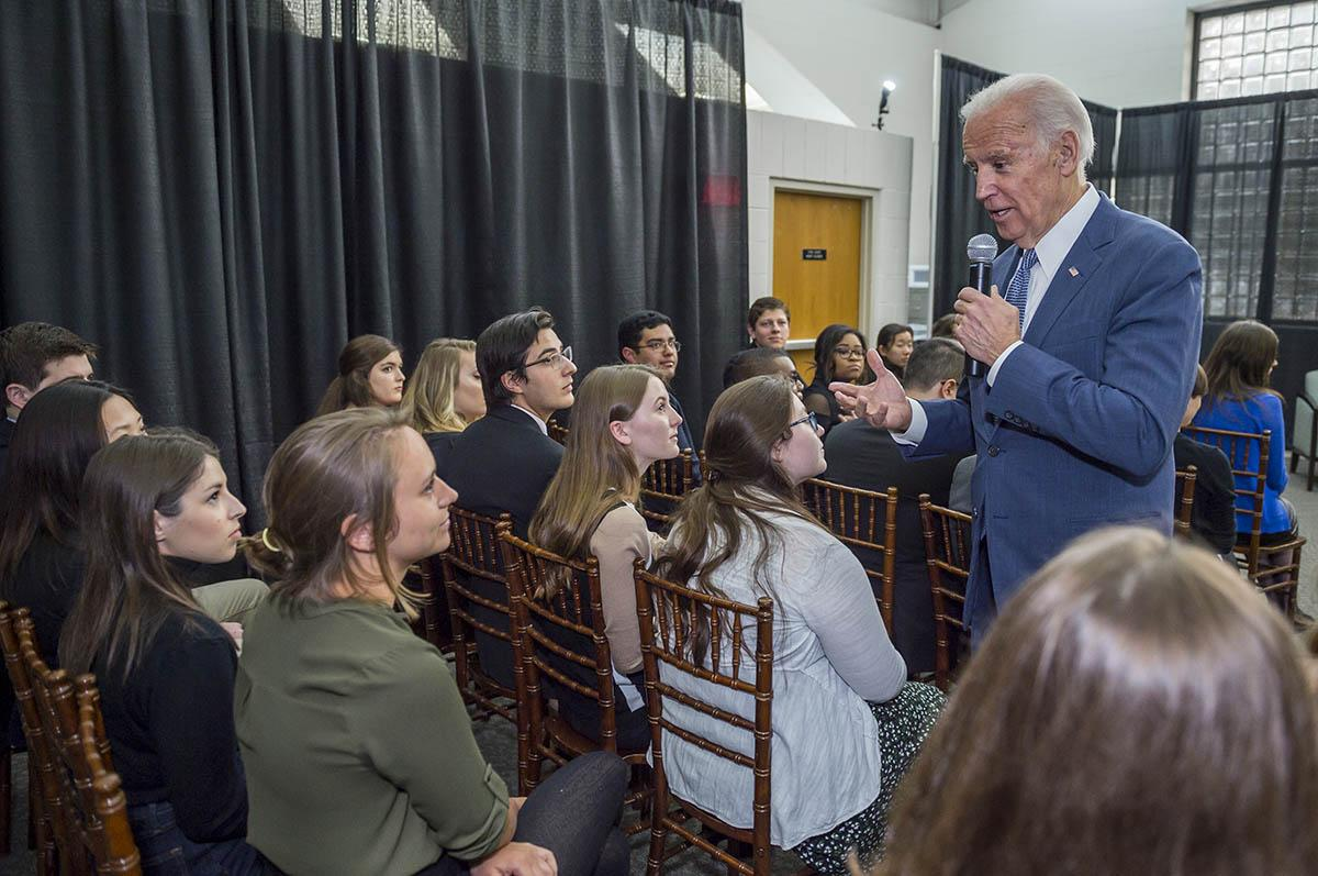 Former Vice President Joe Biden speaks with a group of Colgate political science students.
