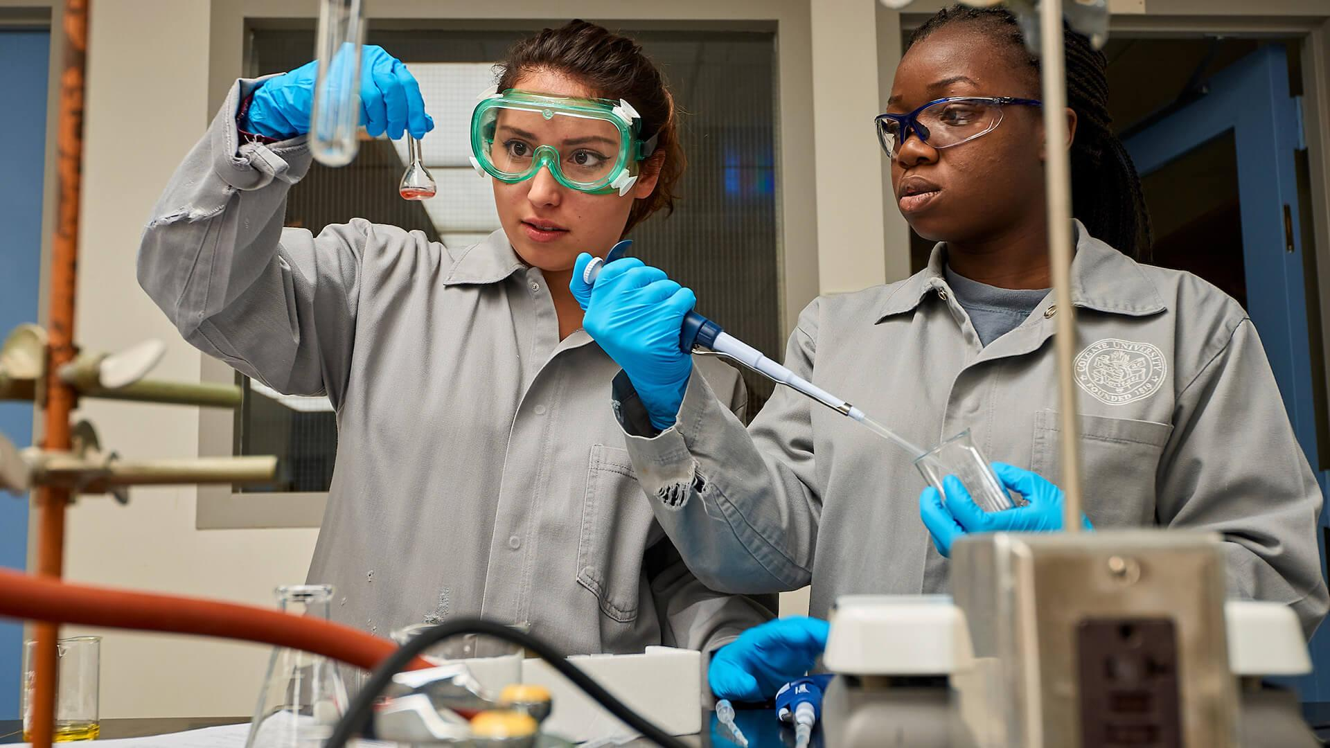 Students perform experiments in an introductory chemistry class in Colgate University's Olin Hall