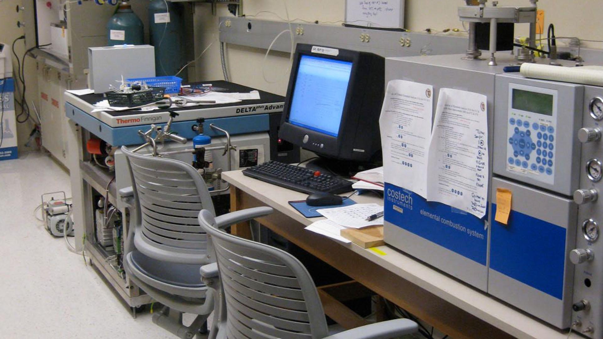 Image of stable isotope mass spectrometry lab.